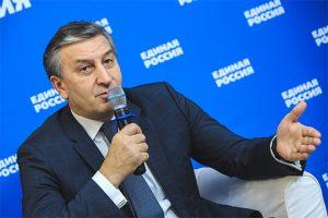 Айрат Фаррахов: «Бюджет очень консервативен, бюджет внушает небольшой оптимизм, не как раньше, но до большого оптимизма далеко»