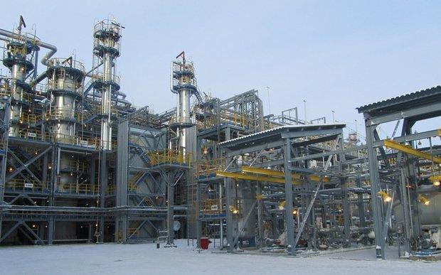 Был построен очень большой технологичный завод, но в силу завершения налогового маневра в нефтяной отрасли условия на завершении проекта перестали соответствовать тому времени, когда рассчитывался бизнес-план. Фото angi.ru